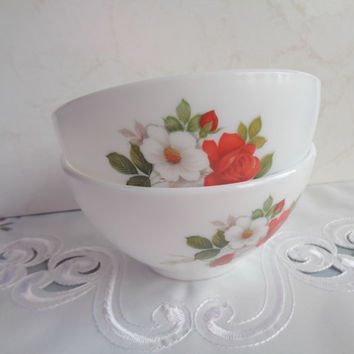 French Vintage Arcopal Bowls . Two Café au Lait Bowls . Red Rose Floral Design . Milk Glass Bowls .