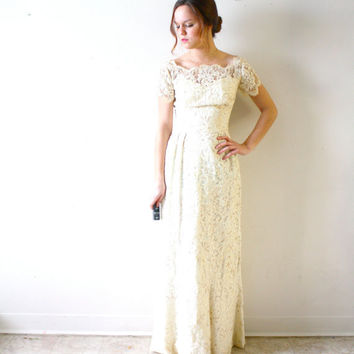 Vintage Wedding dress bohemian pearl lace modest fit