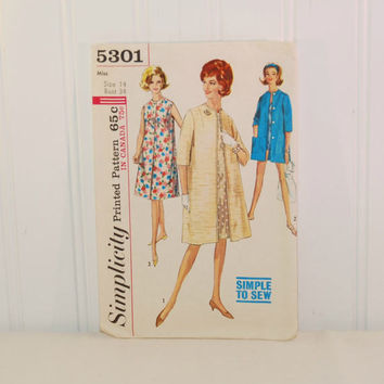 Vintage Simplicity 5301, Simple To Sew, Misses One Piece Dress or Coat (c. 1963) Misses' Size 14, Bust Size 34 Inches, Unlined Coat