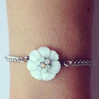 Daisy Chain Bracelet from Shu&Me