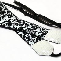 Black and white Camera strap. Damask camera strap. Floral camera strap.  dSLR Camera Strap. Camera accessories. Canon Nikon camera strap.