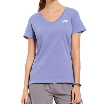 Nike Sportswear Short Sleeve V-neck T-Shirt | Dillards
