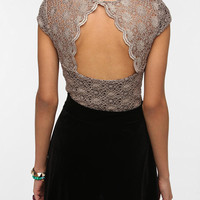 Pins and Needles Scallop Back Lace Tee