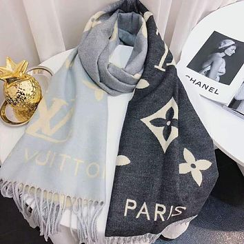 LV Louis Vuitton Autumn Winter Fashionable Warm Tassel Cashmere Cape Scarf Scarves Shawl Accessories