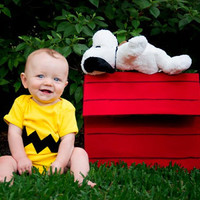 Great Halloween costume or Baby Shower Gift READY TO SHIP Onesuit - Charlie Brown inspired sewn cotton zig zag applique