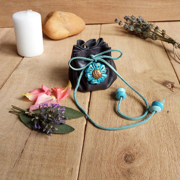 Leather pouch with herbs / Blue flower coin purse / Herbs pouch / Crystal / Amulet bag / Leather drawstring pouch / Upcycled leather