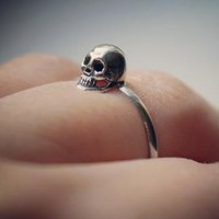 STERLING SILVER TINY SKULL RING