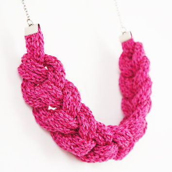 NECKLACE // Handmade knitted fuschia necklace, with nautical chineese knots