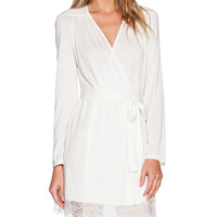 Only Hearts Venice Short Robe With Lace Hem in White