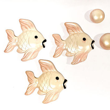 Miller Studio Chalkware Fish, Vintage 1960s, 5 Piece Fish Set, Pearlized, Fish And Bubbles, Pink Ivory Black, Wall Plaque, Vintage Chalkware