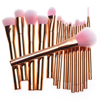 The new 15pcs makeup brush suit purple green pink