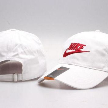 PEAPDQ7 The New Nike Golf Baseball Cap