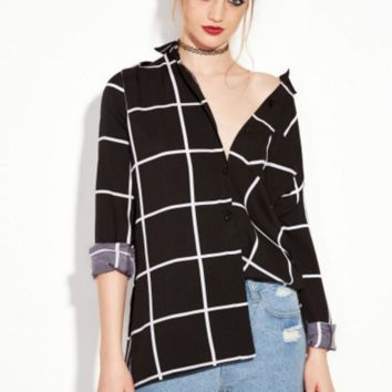 Black and white plaid shirt B0016390