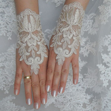 wedding gloves, lace glove, wedding, gold lace gloves, Fingerless Gloves, bride accessory Free Ship