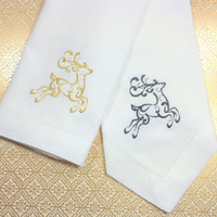 Reindeer Embroidered Cloth Napkins, cotton christmas napkins, Christmas napkins, reindeer napkins, reindeer cloth napkins, christmas gift