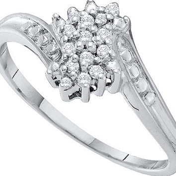 Diamond Cluster Ring in 10k White Gold 0.1 ctw