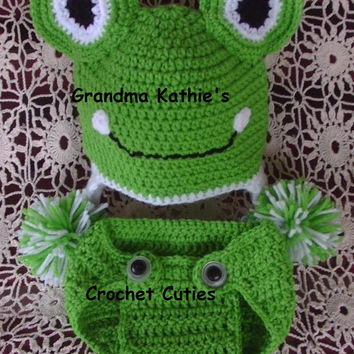 Frog Hat & Diaper Cover Photo Prop Set Sizes from 0-6 m. 6 - 9 Months Halloween Costume