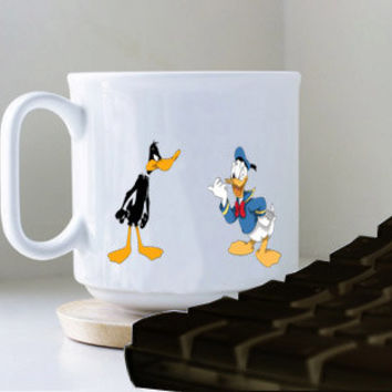 daffy duck vs donald duck arena mug heppy mug coffee, mug tea, size 8,2 x 9,5 cm.
