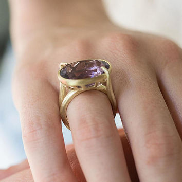 Statement band, Cocktail ring, Purple stone ring,14k gold ring, Amethyst ring, Sculptural band, gift for her, modern ring, fine jewelry