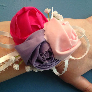 Pink and Purple Corsage, Wrist Corsage, Flower Corsage, Mother's Day Corsage, Gift For Mom, Mother's Day Gift, Prom Gift