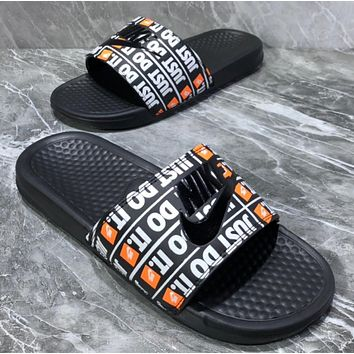 NIKE Fashionable and comfortable sandals