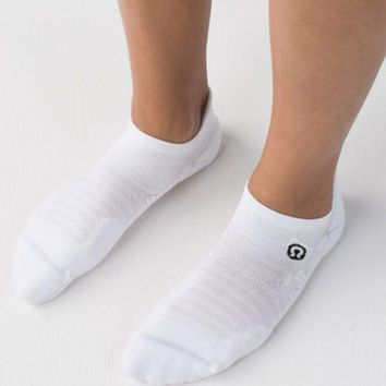 Lululemon Men's Cycling Marathon Socks Breathes Sweat And Smells Good.white