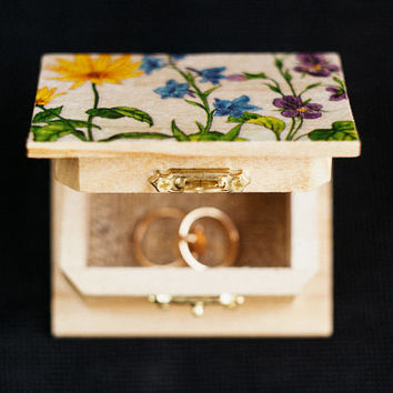 "Rustic style wedding ring bearer box with botanical picture ""Wild Flowers III"" - wedding decor, rustic style, botanical, engagement box"