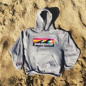 Patagucci Wave Hoodie (Heather Grey)