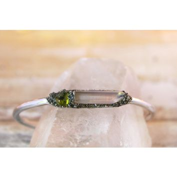 Angel Aura Quartz & Raw Peridot August Birthstone Gemstone Bracelet
