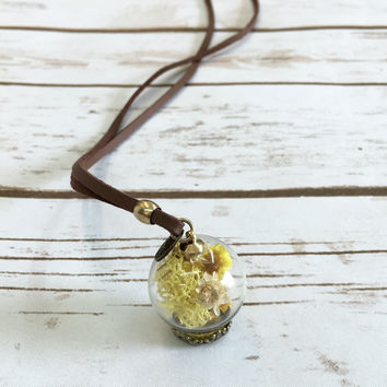 Baby Daisy Globe Necklace