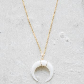 Moon Necklace - Pearl