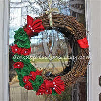 Christmas Grapevine Wreath/ IRed, Green Felt, Burlap Flowers/ Pearl Embellishment/ Red Twine /Door Decoration
