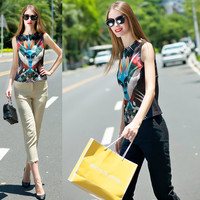 Graphic Print Sleeveless Cropped Top Pencil Cut  Pants