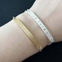 Je Taime (I love You in French) Bangle Bracelet