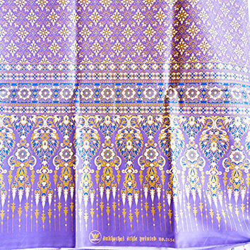 woman's Thai sarong Traditional pattern purple and gold TT6