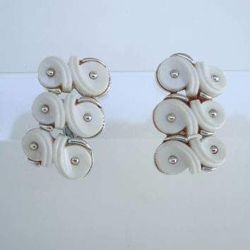 White Modern Clip On Earrings Adjustable Tension Chrome Vintage Jewelry