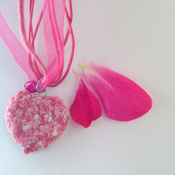 Fabric necklace. Embroidered necklace. Pink Romantic necklace. Pink heart. Shiny metal frame pendant. FREE SHIPPING WORLDWIDE! P10.