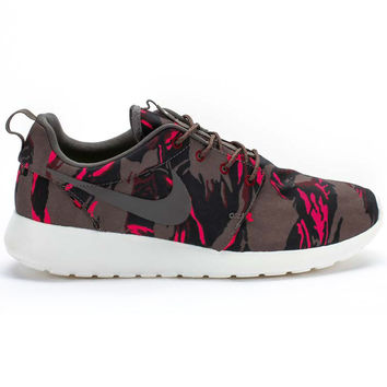 Nike Roshe Run GPX (Brown/Red/Pink/Camo) One Per Customer