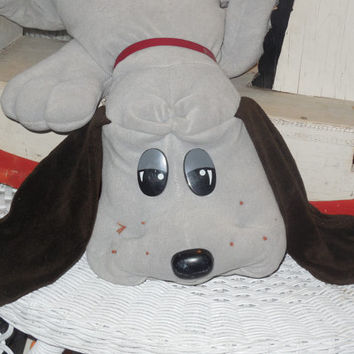1985 Big Pound Puppie / Puppy Gray with Brown Spots Sweet / 24 inches long 1985