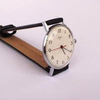 Vintage men's watch Ultra slim men's mechanical wrist watch LUCH. 23 jewels 80s dress watch for men