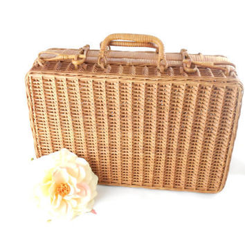 VIntage Picnic Basket -  Wicker Picnic Basket