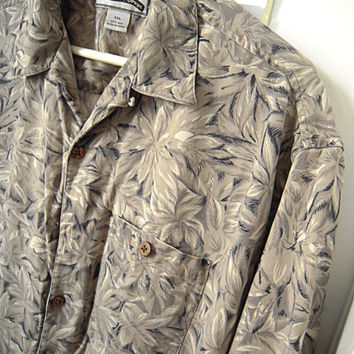 Men's Paradise Coves Hawaiian style 100% silk pocket shirt with coconut buttons,XXL,gently used in very good condition,allover leaf pattern.