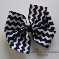 Chevron Hairbow, Pinwheel Bow, Black and White, Pinwheel Hairbow, Large Hairbow, 4 Inch, Children's Hair Accessories, Girls Hairbows