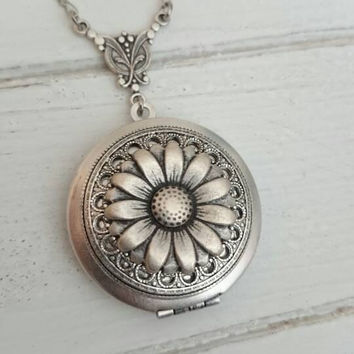 Antique silver Daisy flower locket necklace.