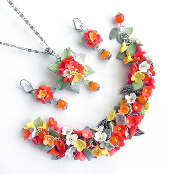 Floral  Pendant and bracelet set Polymer clay Handmade