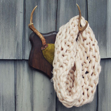 The Snowy Knit Scarf
