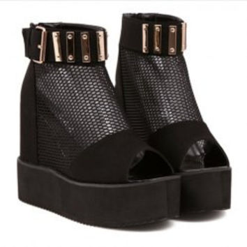 Stylish Women's Peep Toed Shoes With Mesh and Metal Design
