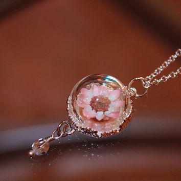 Real Tiny DAISY Flower in Glass Dome Pendant GLOW in the DARK