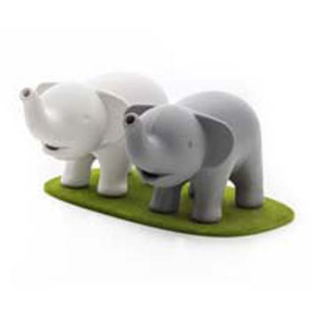 Duo Elephant Salt & Pepper Shaker Set by Qualy