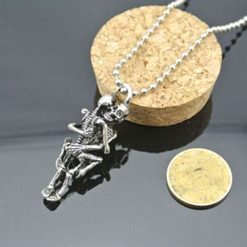 Infinity Love Silver Plated Couple Skulls Hug Chain Pendant Necklace For Men Women